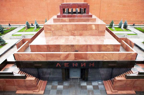 Депутаты Госдумы решили захоронить Ленина