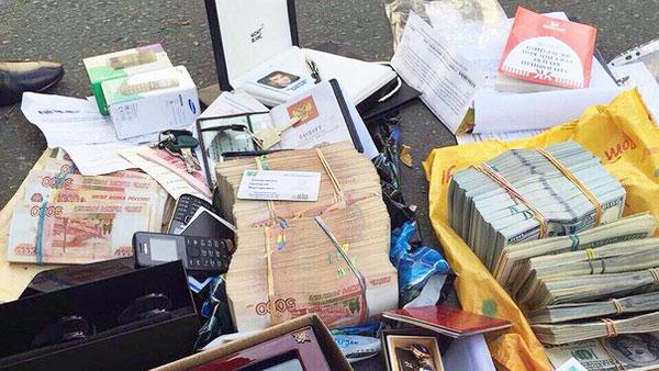 Раскрыта тайна денег полковника Захарченко