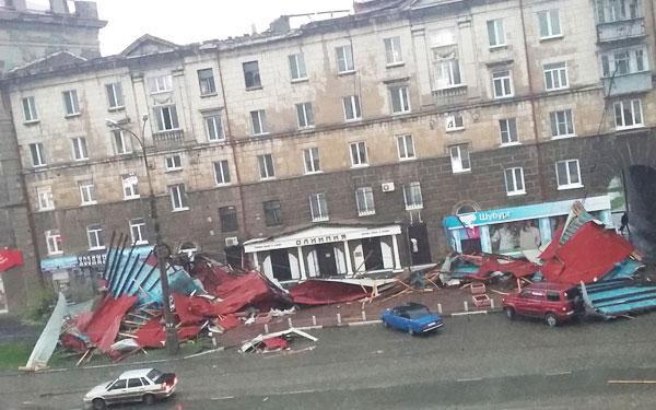 Куйвашев выделил 100 млн рублей на ликвидацию последствий урагана